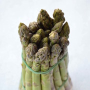 dettagli-asparagi-verdi